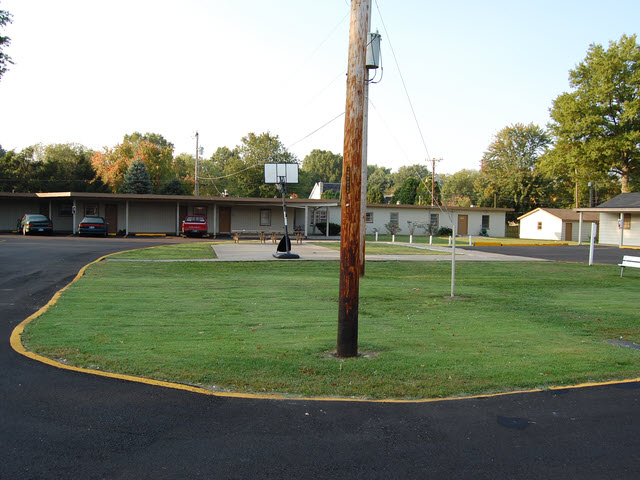 Woodridge Motel, Terre Haute, IN
