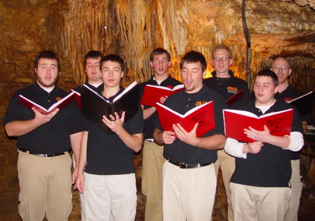 Cave of the Mounds Carolers