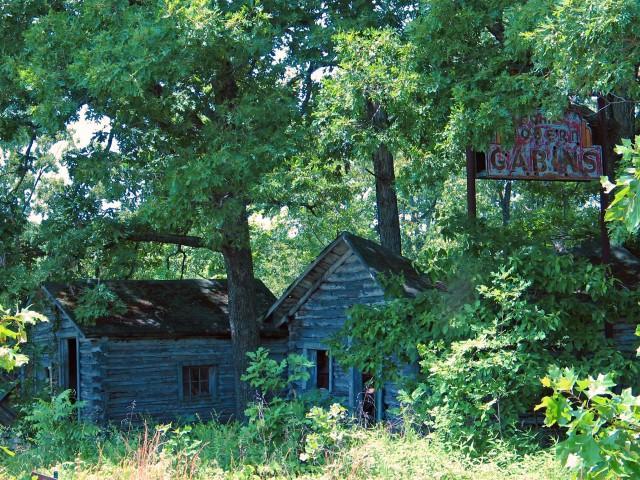 John's Modern Cabins 2 - Newburg, MO