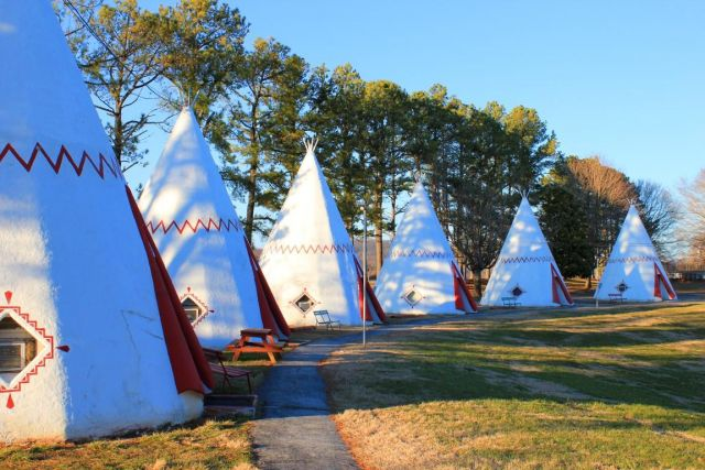 Wigwam Village #2 on US-31W in Cave City, KY