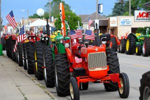 American Road Trip Talk (Podcast) Max Armstrong: Heritage Tractor Adventure