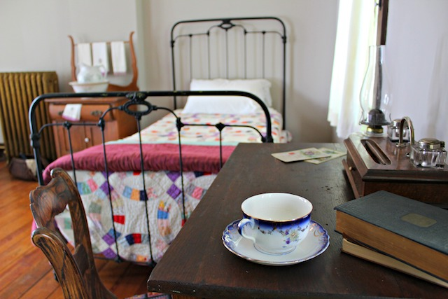 Glenn House Servants Room from desk Apr 17