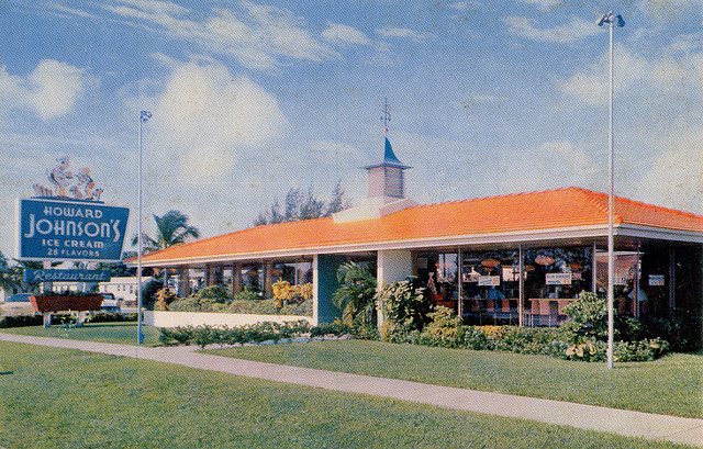 Howard Johnsons postcard - 1960s